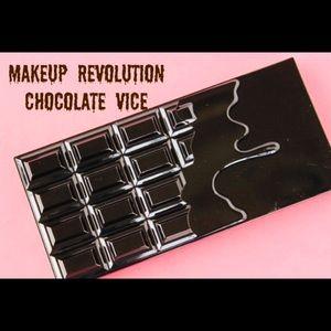 🍫NEW🍫I💗Revolution Chocolate Vice Eyeshadow🍫